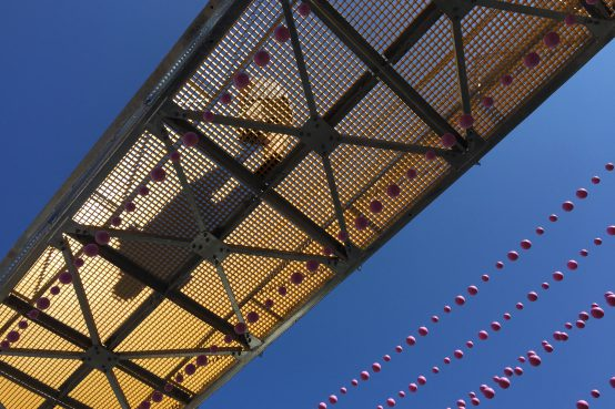 Passerelle piétonne en acier FunambOule, Montréal. Steel footbridge.
